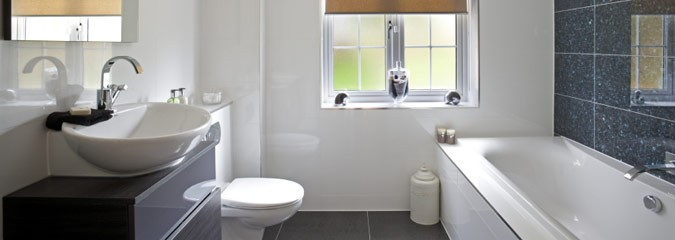 New bathroom suite in white